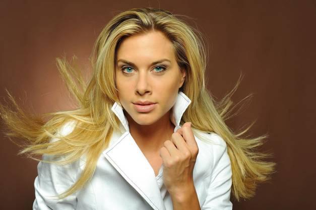 Auch in der Jury: Model Monika Erb.