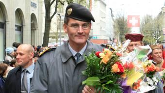Roland Nef:  Da war die Welt noch in Ordnung: Der Ex-Armeechef am Sechseläuten im April 2008 in Zürich. Hünerfauth