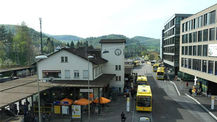 Der Bahnhof Liestal wird durch Neubauten ersetzt – in diesen könnten zwei Fakultäten der Uni Basel unterkommen.Nicole Nars-Zimmer