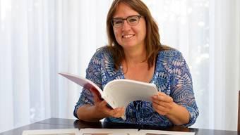 Fantasy-Romanautorin Anna Kornicker aus Oberwil stellt ihr Buch vor und ihr Finanzierungsprojekt, bei dem sie Spenden für den Druck sammelt