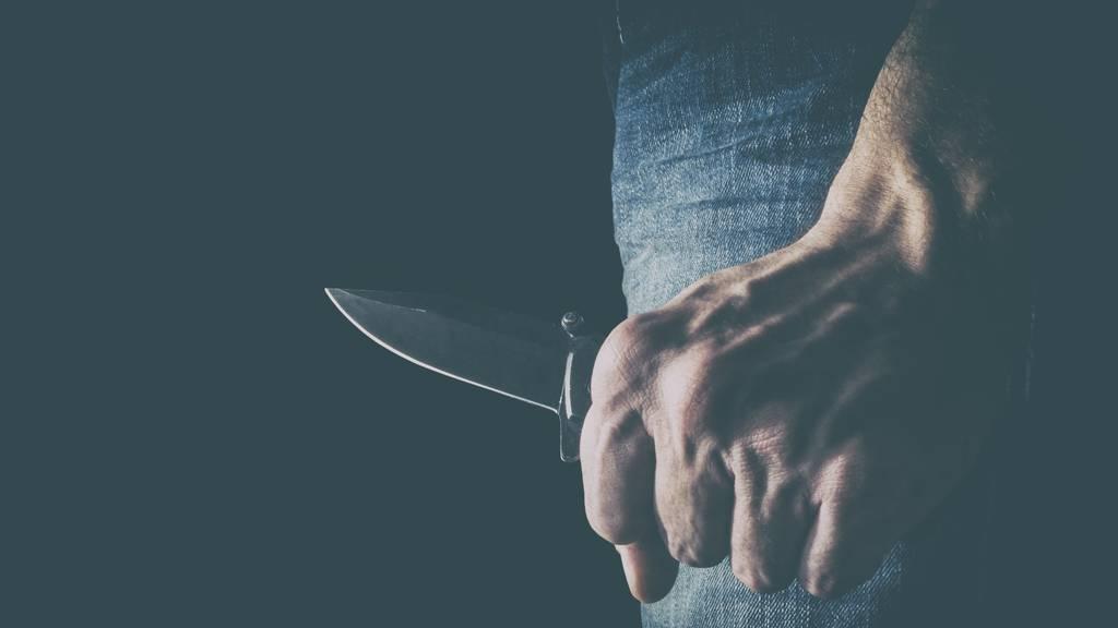 In Münchwilen wurde am Sonntag ein Imbiss-Mitarbeiter mit einem Messer bedroht. (Symbolbild)