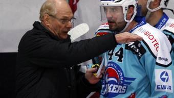 Rappi-Coach John Slettvoll gibt Sebastien Reuille Anweisungen