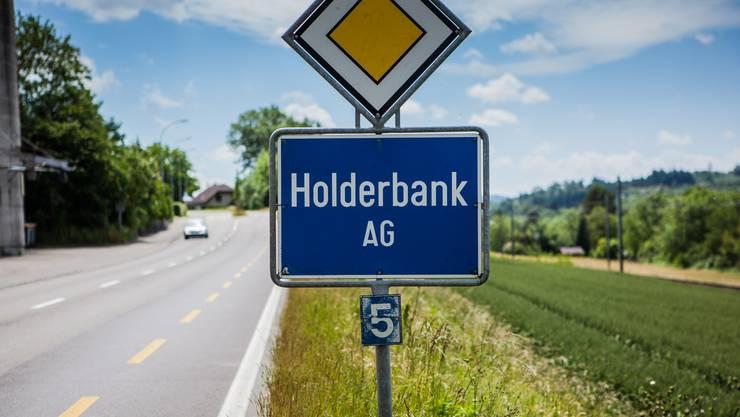 Holderbank - Ortstafel am Dorfeingang Gemeinde Holderbank
