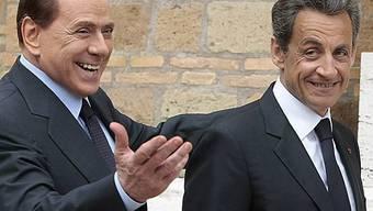 Nicolas Sarkozy und Silvio Berlusconi suchen gemeinsam eine Lösung in der Flüchtlingsfrage