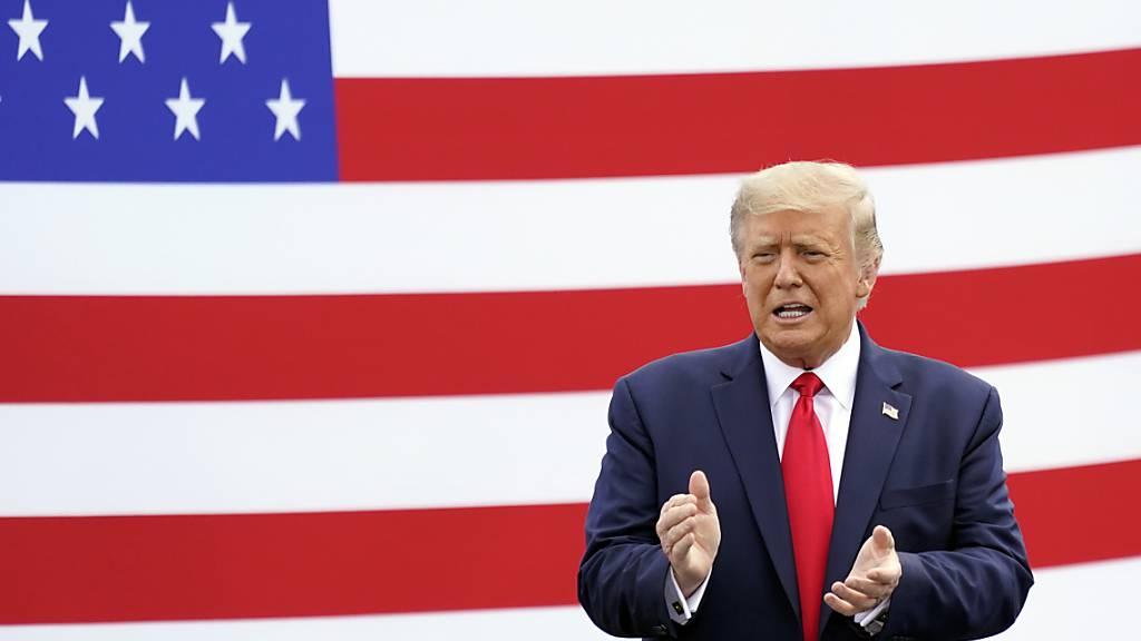 Trump in Interview: Habe Corona-Gefahr heruntergespielt