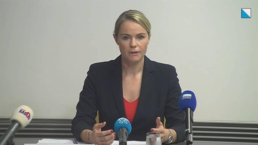 """Zürcher Regierungsrätin Rickli: """"Masken schützen vor Quarantäne!"""""""