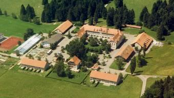 Jugendheim Prêles