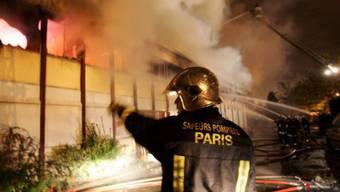Bei den Krawallen waren 2005 tausende Autos in Flammen aufgegangen