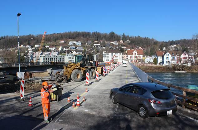 Von Aarau nach Küttigen geht es ab sofort über die Hilfsbrücke.