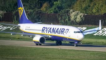 Beim Billigflieger Ryanair ist der Gewinn im Sinkflug. (Archiv)
