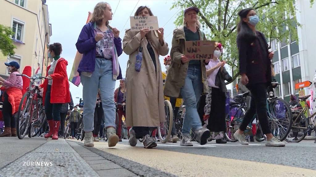 Historischer Frauenstreik jährt sich zum ersten Mal