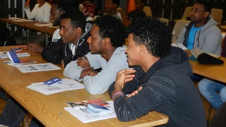 Asylsuchende nehmen teil an einem Modul der Kulturschule Brugg. zvg