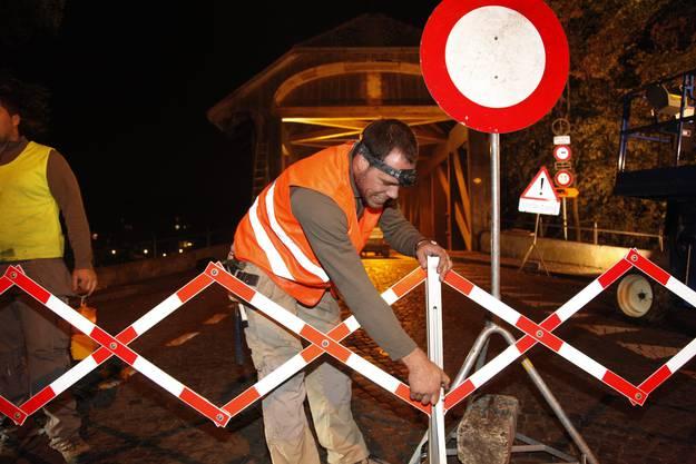Fünf Nächte war die Holzbrücke wegen der Reparaturarbeiten gesperrt