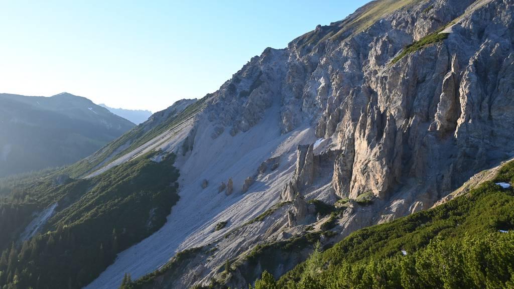 Wanderer findet toten Mann in den Bergen