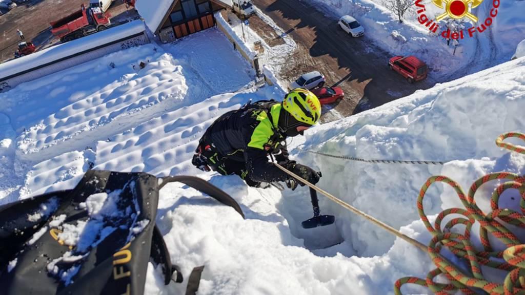 Schneefälle in Italien - Dutzende Einsätze für Feuerwehr
