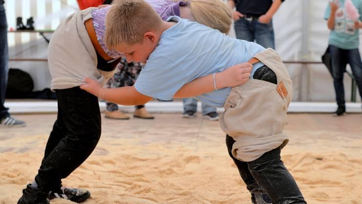 HESO 2019: Im Schwingerzelt konnten die Kinder den Traditionssport kennenlernen.