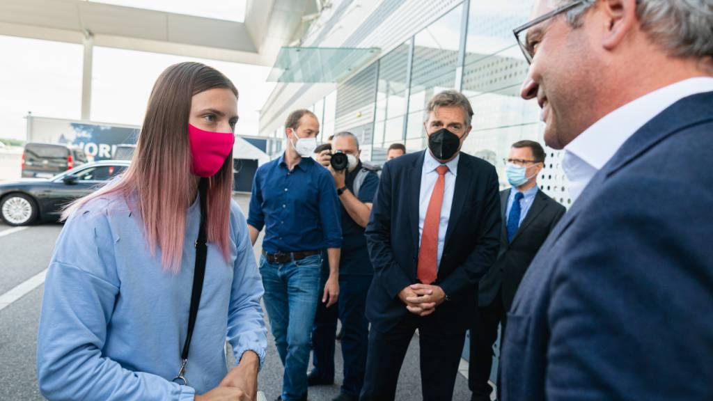 Timanowskaja in Wien gelandet - Grosse Sicherheit beim Zwischenstopp