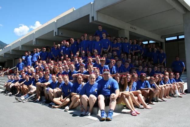 Gruppenbild der 170 Teilnehmenden