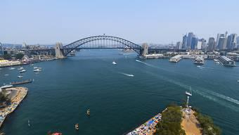 ARCHIV - Eine Boeing 787-9 Dreamliner soll am 10. Oktober in Sydney starten und dann relativ niedrig über die bekanntesten Sehenswürdigkeiten des Landes fliegen, um ohne Zwischenlandung sieben Stunden später wieder in Sydney zu landen. Der Flug ist bereits ausverkauft. Foto: City of Sydney/ Lukas Coch/AAP/dpa