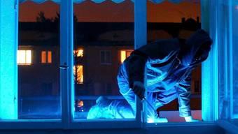Die beiden Einbrecher sind vor allem in Einfamilienhäusern in den Kantonen Aargau und Luzern eingestiegen. (Symbolbild)