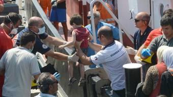 Flüchtlinge aus Syrien kommen in Catania an (Archivbild)