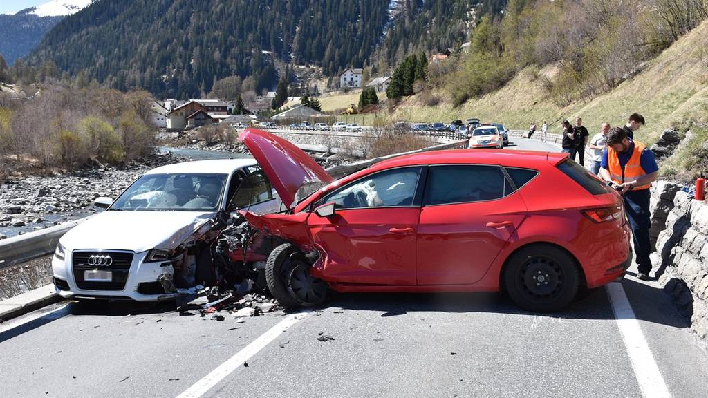 Beim Unfall wurden drei Personen verletzt