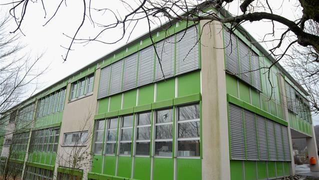 Das Schulhaus in Othmarsingen.
