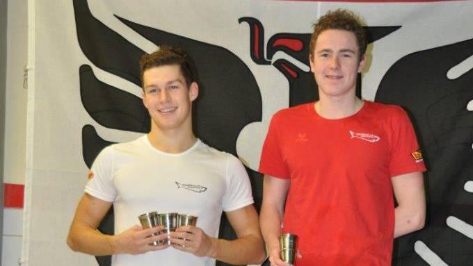 Andrea Bruder (links) konnte gleich in drei Disziplinen (Delfin, Freistil, Brust) gewinnen. Noah Oskam triumphierte über 100m Rücken.