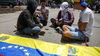 Sit-in (Gran Plantón Nacional) in Caracas gegen das Regime von Präsident Maduro.