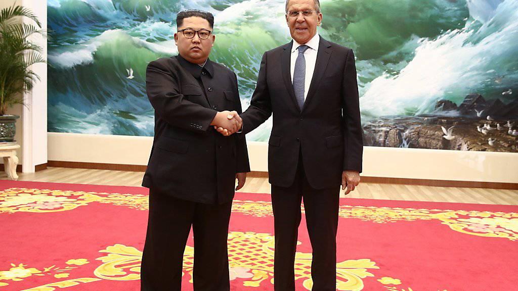 Nordkoreas Machthaber Kim Jong Un bei seinem Treffen mit dem russischen Aussenminister Sergej Lawrow am Donnerstag.