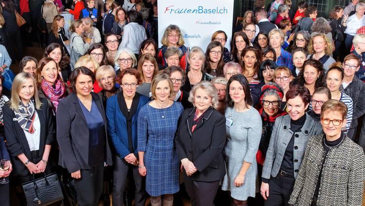 Zahlreiche einflussreiche Politikerinnen gaben sich die Ehre.