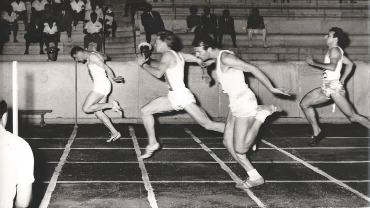 Ruedi Oegerli entschied den mitternächtlichen 100-Meter-Lauf beim Länderkampf von 1963 im Olympiastadion von Athen für sich.
