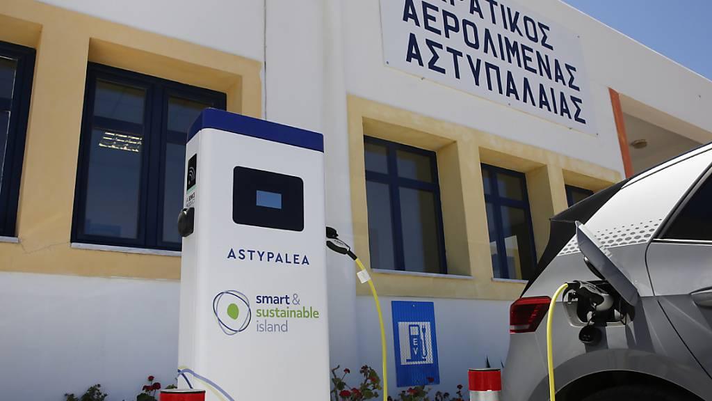 Erste E-Autos von VW auf griechischer Modell-Insel unterwegs