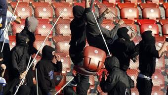 Randalierende Zürcher Fussball-Fans.