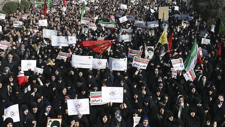 Proteste gegen die Regierung und Gegenproteste: Im Iran kommt das Volk nicht zur Ruhe. (Archivbild)
