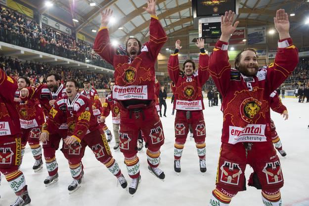 ...und feiern den Aufstieg in die Nationalliga A.