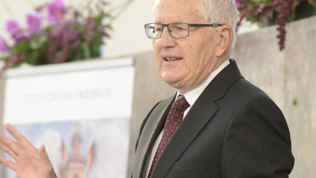 Alt Bundesrat Kaspar Villiger betonte bei seiner Dankesrede, dass Talente der Menschen entfesselt werden müssten, nicht geknebelt.