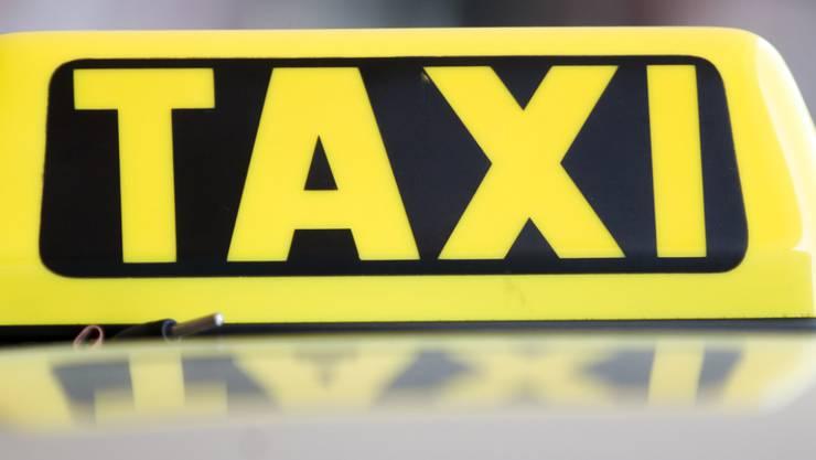 Ein Taxifahrer hat sich in Luzern an mehreren Kundinnen vergangen und muss dafür ins Gefängnis. (Symbolbild)