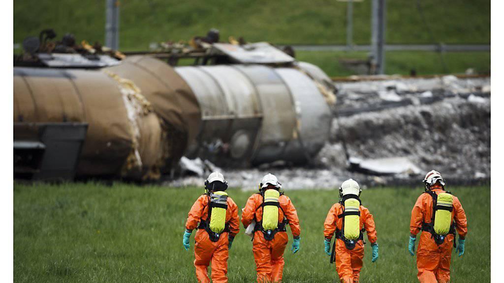 Bei der Entgleisung eines Gütertransportes in Daillens VD liefen mehrere Tonnen gefährlicher Chemikalien aus (Archiv).