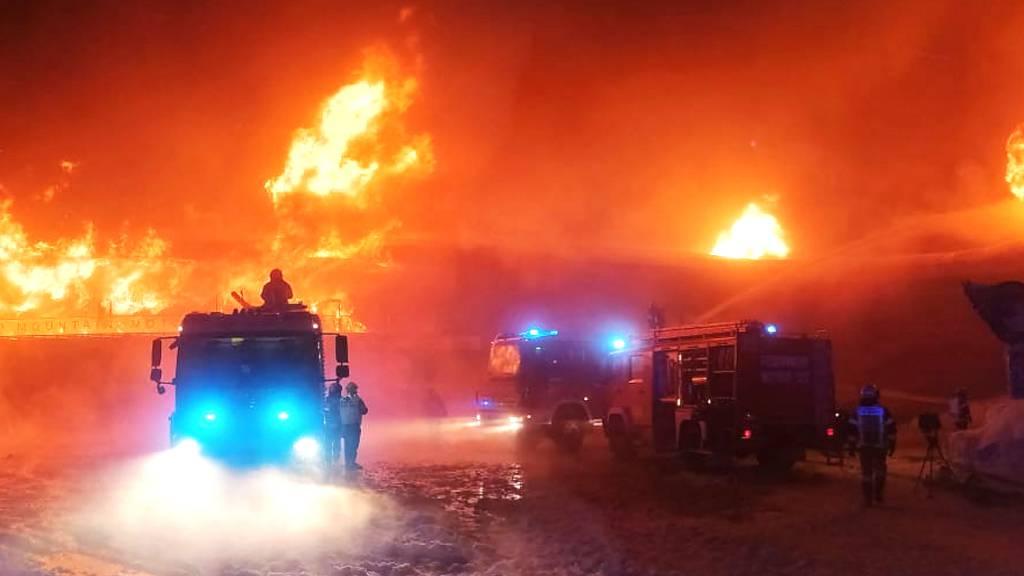 Grossbrand in Tiroler Motorradmuseum - wohl keine Verletzten