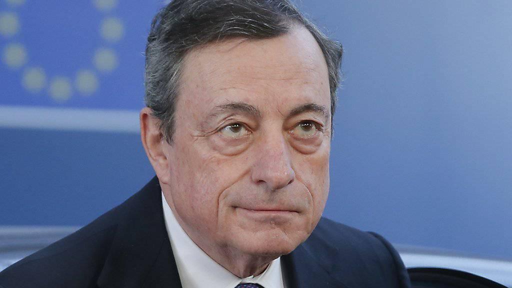 Die Zinswende kann laut EZB-Präsident Mario Draghi nötigenfalls weiter hinausgeschoben werden. (Archiv)
