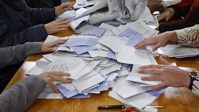 Für die Stimmenzählerinnen und Stimmenzähler beginnt der Wahlsonntag schon am Samstag.