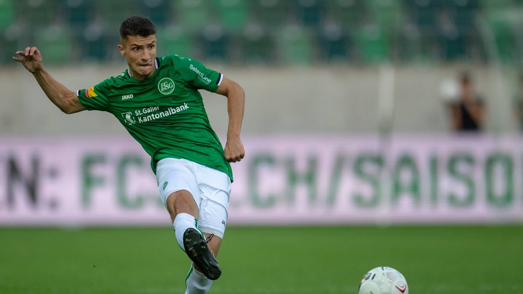 Fussballtalent Leonidas Stergiou (19) könnte schon bald nach Genua unterwegs sein.