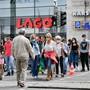 Am ersten Wochenende nach den Lockdown-Lockerungen Ende Juni kauften wieder viele Schweizer in Konstanz ein. Noch ist das Vor-Corona-Niveau aber nicht erreicht.
