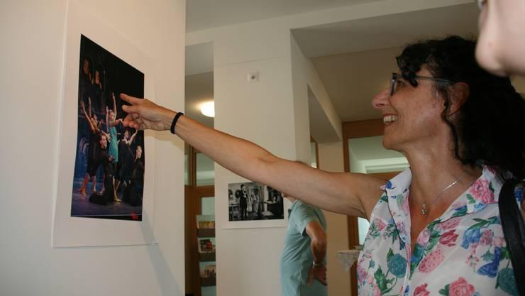 Im Gemeindehaus werden Bilder zum «Theater in Baden» ausgestellt.