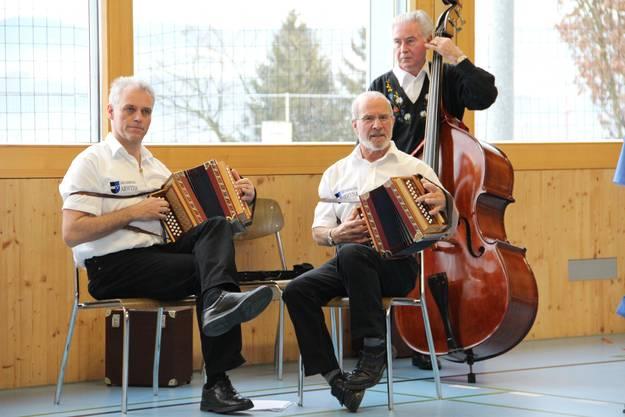 Das Trio Arwyna sorgte für die musikalische Umrahmung