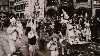 1968 – D'Epoque Rose oder 30 Johr Die Abverheyte