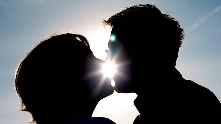 Keine Geschichte vom Beginn einer Liebe gleicht der anderen: Lesen Sie in der Bildergalerie von den schönsten Liebesanfängen unserer Leserinnen und Leser.