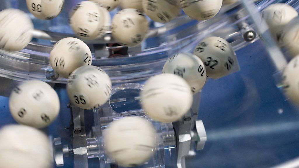 Im Swiss Lotto lockt heute Mittwochabend ein Rekord-Jackpot von 64,3 Millionen Franken. (Archivbild)