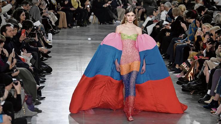 Schiaparelli präsentierte diese Woche seine Frühjahrskollektion.